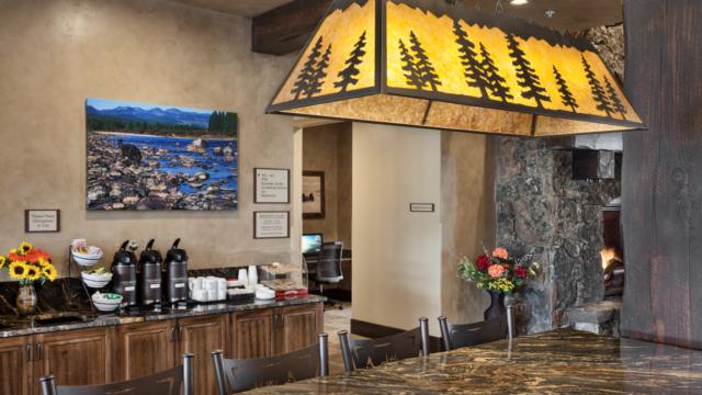kalispell builder country inn breakfast room