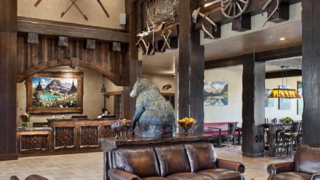 kalispell builder country inn lobby