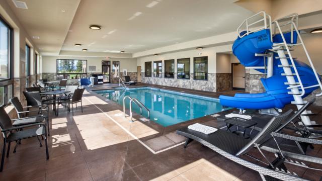 kalispell builder country inn pool