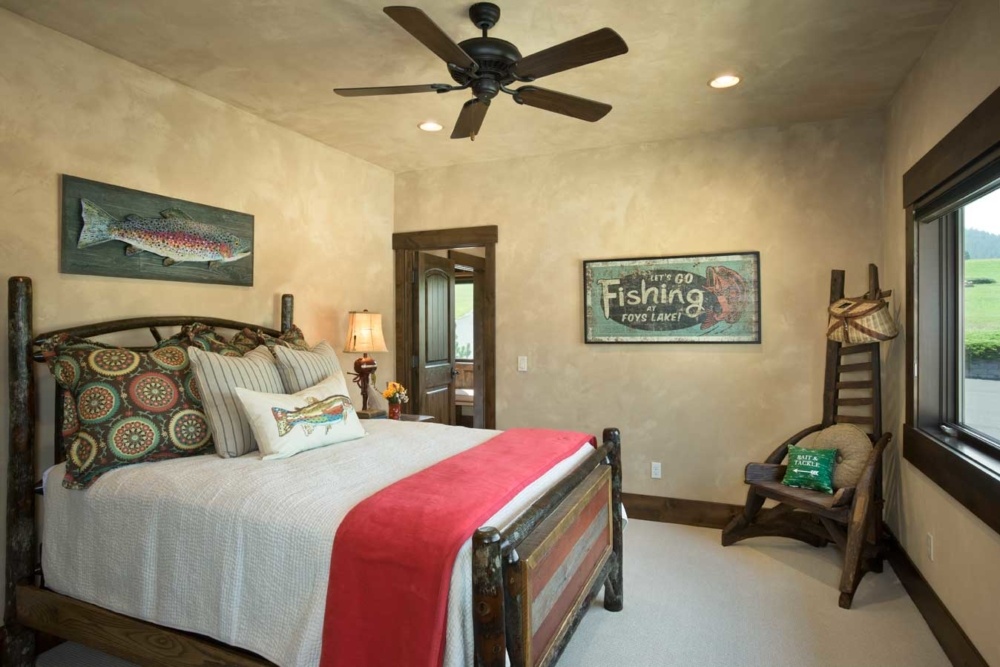 middle foys guest bedroom