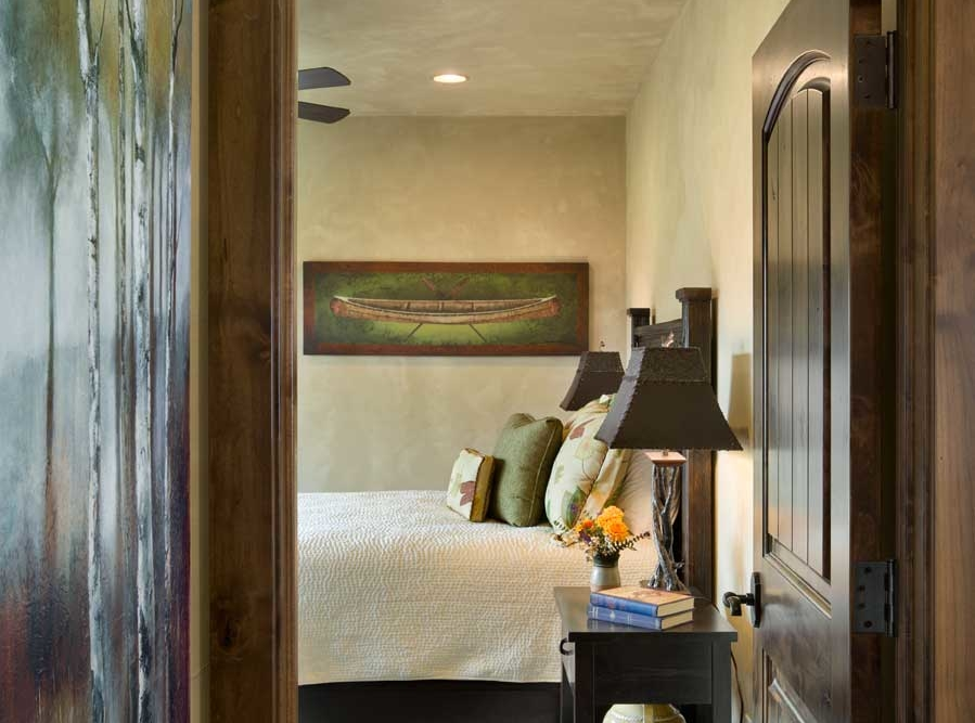 middle foys master bedroom entry