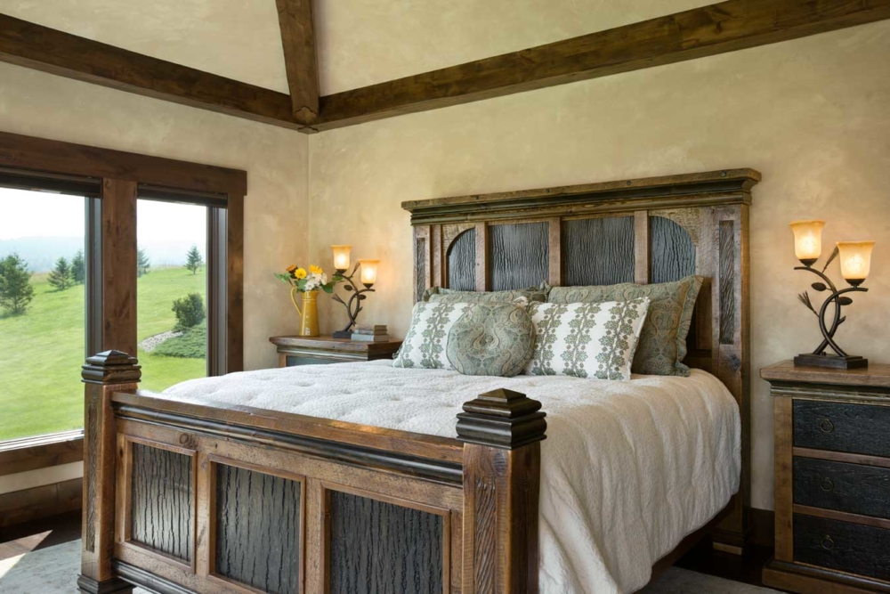 middle foys master bedroom