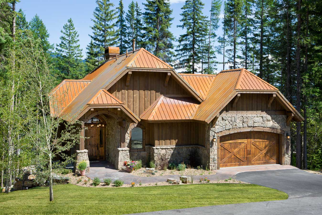 Whitefish builders montana custom rustic elegance for Custom rustic homes