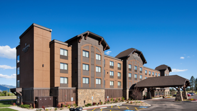 country inn suites kalispell front entry