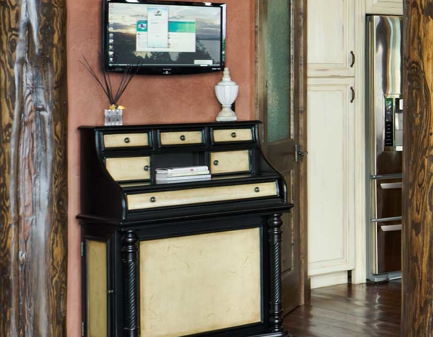 flathead lake retreat desk