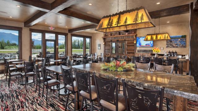 kalispell builder country inn dining area