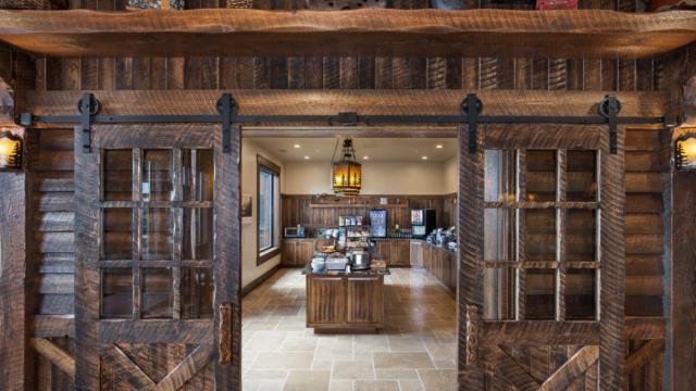 kalispell builder country inn dining entry